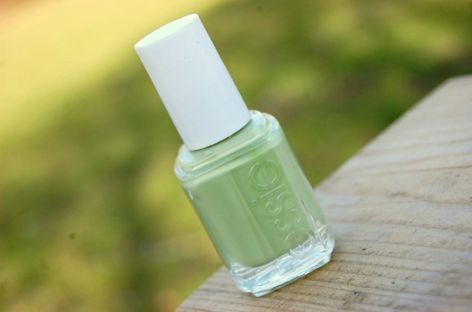 pastelfarvet neglelak til foråret 2012