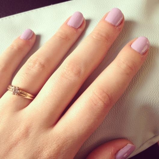 minty clutch Monki og pastel neglelak